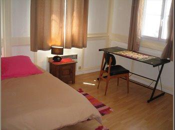 Appartager FR - Chambre dans triplex plein centre ville - Morlaix, Morlaix - 350 € /Mois