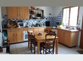 Appartager FR - chambres meublées dans une grande maison de ville - Darnétal, Rouen - 400 € /Mois