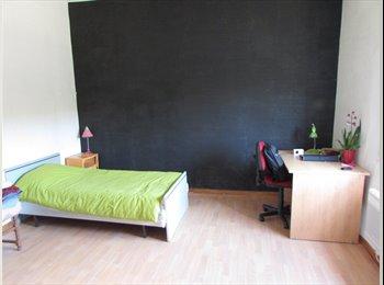 Appartager FR - Chambre meublée dans maison proche du centre ville, Toulouse - 230 € /Mois