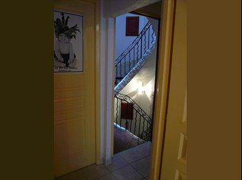 Appartager FR - Colocation étudiants ou jeunes salariés - 1er Arrondissement, Marseille - 390 € /Mois