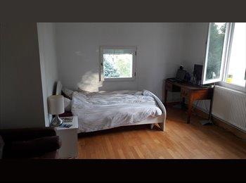 Appartager FR - Grande chambre meublee a vert le petit, Vert-le-Petit - 400 € /Mois