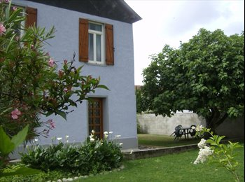 Appartager FR - Colocation pour 4 étudiants dans maison à Tarbes - Tarbes, Tarbes - 290 € /Mois