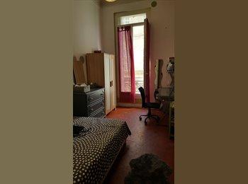 Appartager FR - LOUE CHAMBRE (Meublée) centre5e DS APPART SPACIEUX - 5ème Arrondissement, Marseille - 450 € /Mois