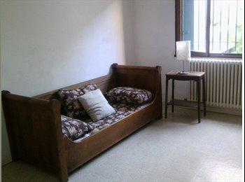 Appartager FR - Appt meublée 110 M2 - Avignon, Avignon - 370 € /Mois