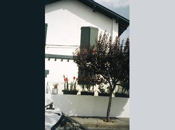 Appartager FR -  BIARRITZ LOUE T2 DANS MAISON POUR 2 ETUDIANTES - Biarritz, Biarritz - 350 € /Mois
