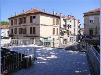 Appartager FR - Chambre à La Seyne, Toulon - 310 € /Mois