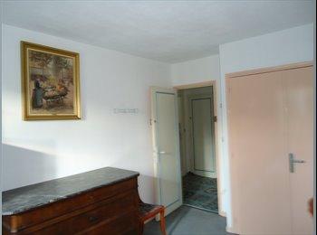 Chambre meublée 15 m2 dans Villa