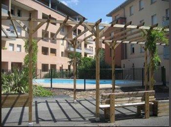 Chambre proche Compans, résidence avec piscine