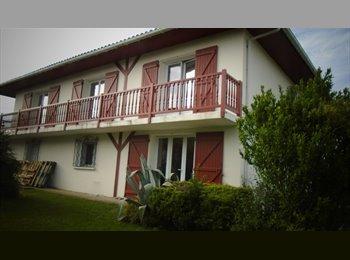 Appartager FR - Bayonne, recherche 1 coloc ds villa louée entièrement à des jeunes, Bayonne - 340 € /Mois