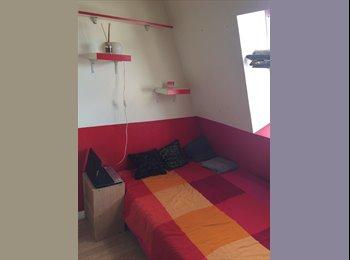 Appartager FR - coloc sympa, 2ème Arrondissement - 400 € /Mois