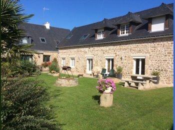 Appartager FR - A louer en colocation appartement de 190 m2, Lorient - 345 € /Mois