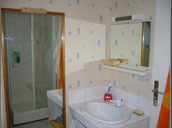 Appartager FR - Chambre meublée dans pavillon Entrée indépendante - Beaucouzé, Angers - 270 € /Mois
