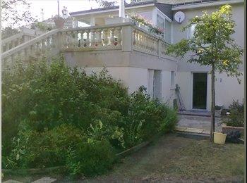 Appartager FR - Studio meublé Lieu calme pour mois JUILLET et AOUT - Angers, Angers - 210 € /Mois