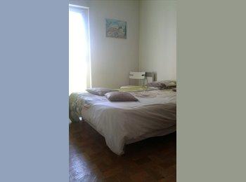 Appartager FR - chambre bien situee, pres des commerces a 10mns de, Marseille - 400 € /Mois