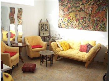 Chambre et SdB dans pavillon  Métro Asnieres-Gennev L13