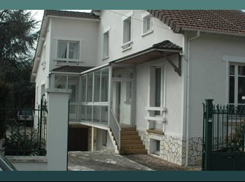 Grande Maison BEZONS 2 chambres dispo 1er juillet