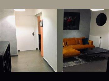 Appartement au calme, métro et commerces à 100m.