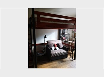 Appartager FR - Cosy Room for rent for foreign woman student non smoker, Paris - Ile De France - 600 € /Mois