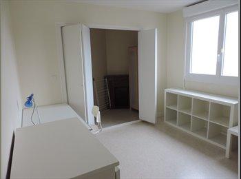 Appartager FR - LANVEUR UBS Chambre disponible 31 aout - Lorient, Lorient - 340 € /Mois