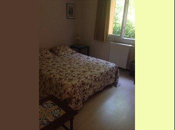 Appartager FR - Chambre à louer chez l 'habitant - Aix-en-Provence, Aix-en-Provence - 450 € /Mois