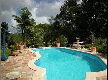 Appartager FR - colocation  villa avec piscine proche du CHU - Fort-de-France, Fort-de-France - 580 € /Mois