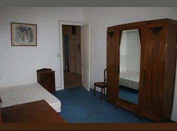 Appartager FR - COLOCATION GRAND T4 MEUBLE  CENTRE BORDEAUX   - Hôtel de ville - Quinconces, Bordeaux - 460 € /Mois