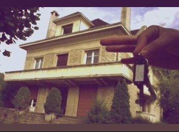 Appartager FR - STUDENT CLASS HOUSE, Saint-Julien-les-Villas - 350 € /Mois