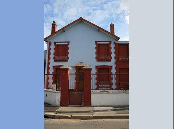 Appartager FR - RESTE UNE CHAMBRE DANS COLOCATION A BOBIGNY - Bobigny, Paris - Ile De France - 550 € /Mois