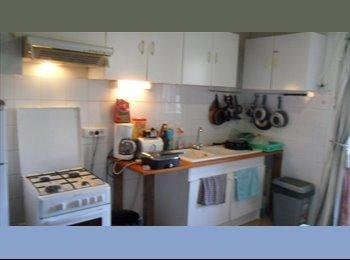 Appartager FR -  chambre à Louer  tout confort pour Etudiants - Bacalan, Bordeaux - 450 € /Mois