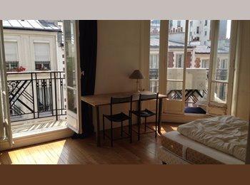 Appartager FR - Superbe chambre au coeur de Montmartre, 17ème Arrondissement - 800 € /Mois