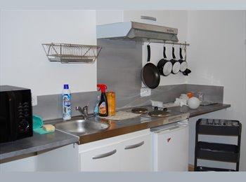 Appartager FR - chambre à louer à 10 km de Nîmes - Nîmes, Nîmes - 450 € /Mois