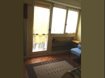 chambre  meublée sympa trés eclairée