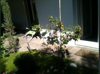 Appartager FR - dans un parc residence securisee, Bordeaux - 440 € /Mois