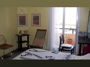 chantal,celibataire loue chambre meuble pour femme