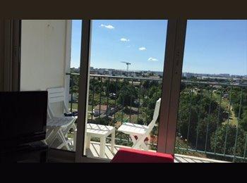 Appartager FR - chambres disponibles pour juillet et aout pour salariés  - La Rochelle, La Rochelle - 400 € /Mois