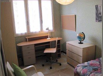 Appartager FR - Louer  meublé dès debut Sept à Montpellier chambre, cuisine, salle de bain, laverie, wc - Prés d'Arènes, Montpellier - 440 € /Mois