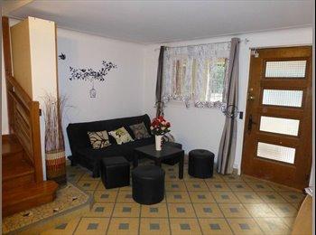 Appartager FR - QUATRES chambres GRANDE MAISON COLOCATION - Rosny-sous-Bois, Paris - Ile De France - 530 € /Mois