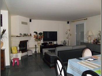 Appartager FR - Maison standing tout conforf - Noisy-le-Grand, Paris - Ile De France - 550 € /Mois