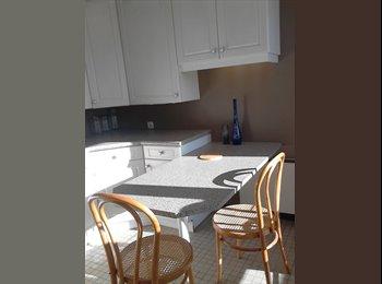 Appartager FR - Colocation à trois dans vaste appartement - Seynod, Annecy - 420 € /Mois
