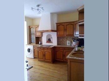 Appartager FR - chambres meublées en colocation, La Rochelle - 450 € /Mois