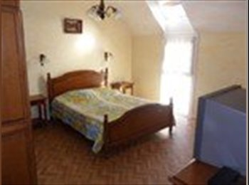 Appartager FR - Colocation 5 chambres dans maison centre bourg, Quimper - 230 € /Mois