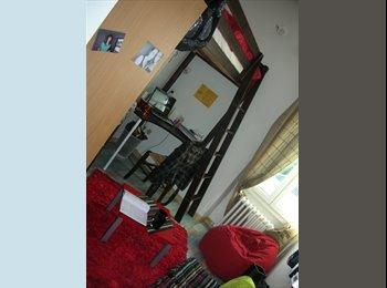 Appartager FR - idéal saisonnier et étudiant,chambre meublée - La Rochelle, La Rochelle - 375 € /Mois