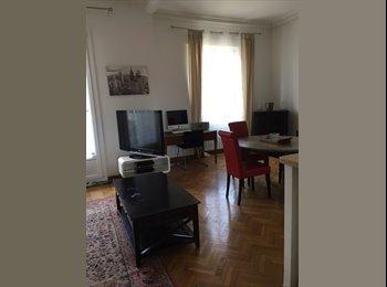 Appartager FR - Grande chambre vue notre dame/ Spacious Bedroom - 6ème Arrondissement, Marseille - 400 € /Mois