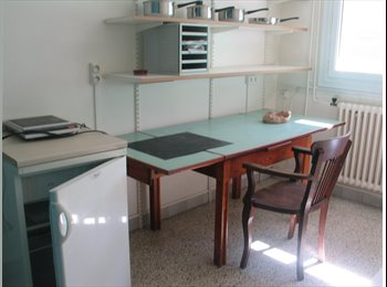 Chambre meublée et équipé cuisine