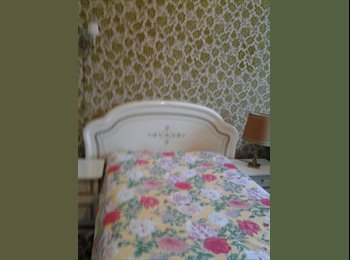 Appartager FR - Chambres tout confort dans maison avec jardin - Orléans, Orléans - 350 € /Mois