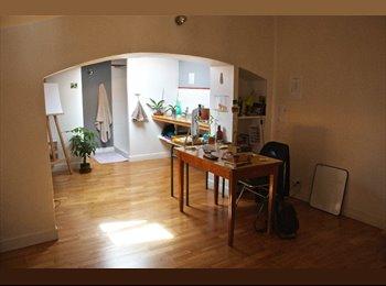 Appartager FR - chambre + salon/bureau privatifs à  louer, Paris - Ile De France - 490 € /Mois
