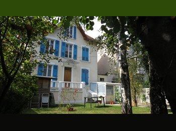 Appartager FR - COHABITATION de JEUNES dans MAISON DE VILLE, Grenoble - 350 € /Mois