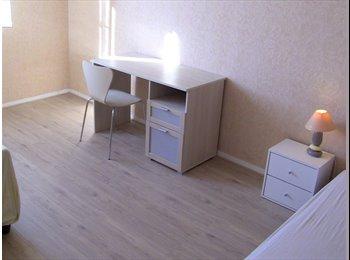 Appartager FR - 5 CHAMBRES Meublées dans un appartement 110M2 - Compiègne, Compiègne - 0 € /Mois