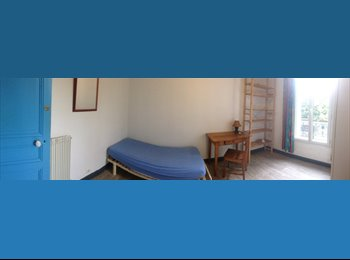 Appartager FR - Chambre pour Etudiante en Colloc à Joinville-Le-Pont - Joinville-le-Pont, Paris - Ile De France - 450 € /Mois