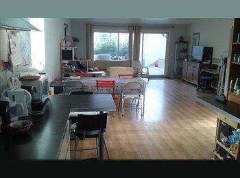 Jolie chambre meublé proche Paris - La Défense
